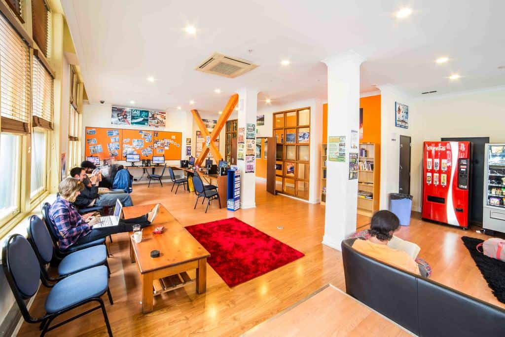 best hostels in auckland